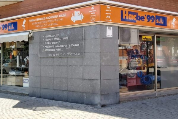 fachada del local hacbe99